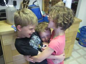 Cousins saying goodbye