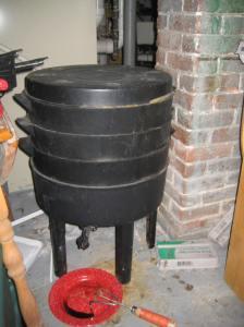 Assembled worm bin