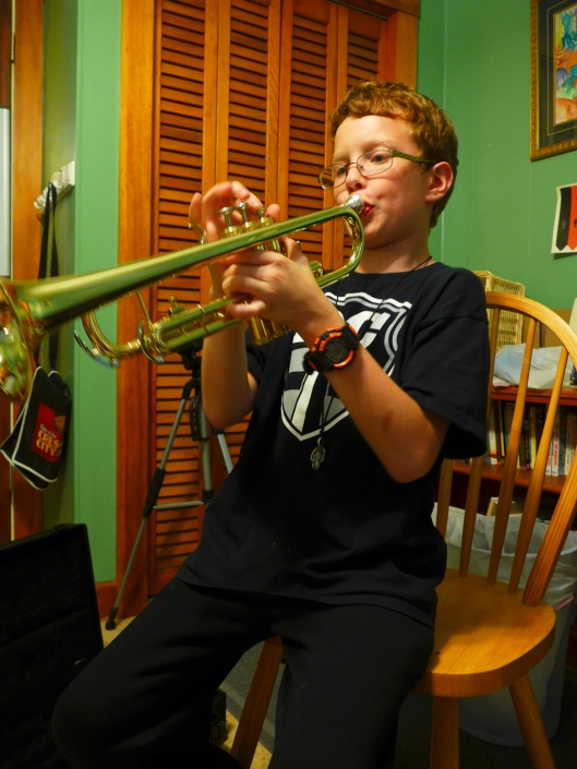 First trumpet lesson: posture and hands